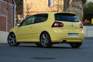 volkswagen-golf-5-gti-pirelli-26
