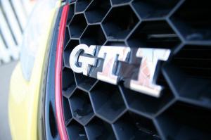 volkswagen-golf-5-gti-pirelli-3