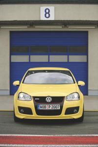 volkswagen-golf-5-gti-pirelli-37