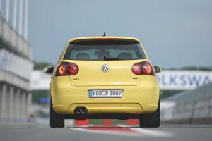 volkswagen-golf-5-gti-pirelli-39