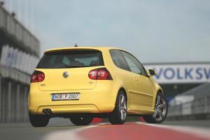volkswagen-golf-5-gti-pirelli-41