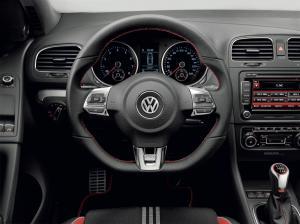 volkswagen-golf-6-gti-adidas-3