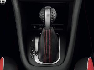 volkswagen-golf-6-gti-adidas-7
